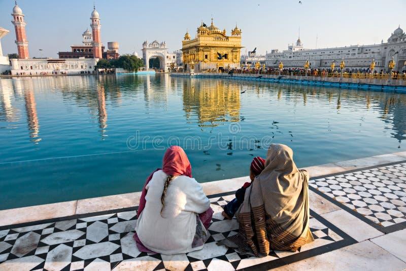 Templo de oro en Amritsar, Punjab, la India. imágenes de archivo libres de regalías