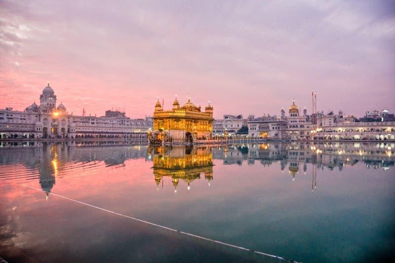 Templo de oro en Amritsar, Punjab, la India. fotografía de archivo libre de regalías