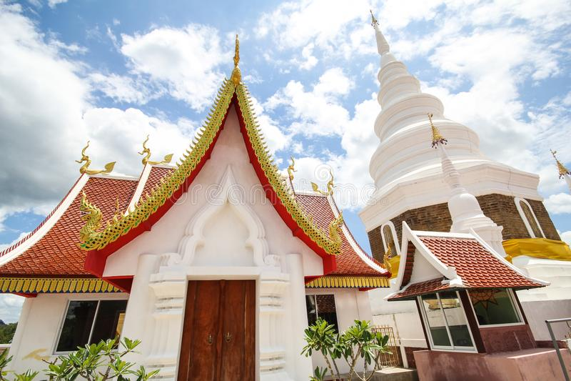 Templo de Phra Jedi Sriwichai Jom Kiri, Lamphun Tailândia imagem de stock royalty free