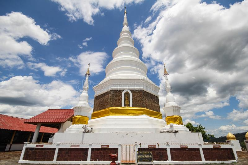 Templo de Phra Jedi Sriwichai Jom Kiri, Lamphun Tailândia imagem de stock
