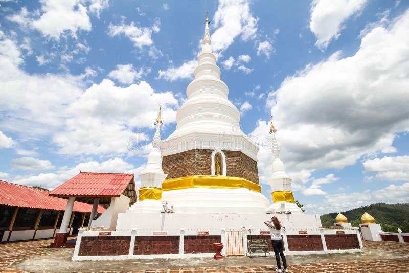 Templo de Phra Jedi Sriwichai Jom Kiri, Lamphun Tailandia foto de archivo