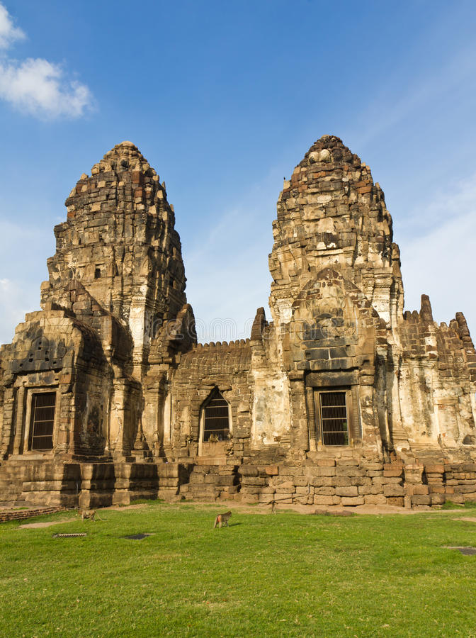 Templo de Phra Prang Sam Yot imagenes de archivo