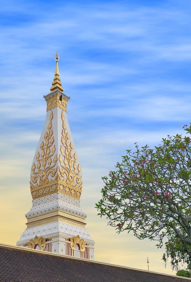 Templo de Phra que Phanom Stupa, estructuras budistas importantes de Theravada en la región adentro en la provincia de Nakhon Pha imagenes de archivo