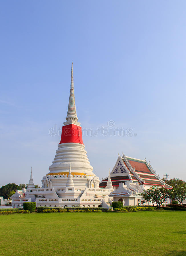 Templo de Phra Samut Chedi imagen de archivo libre de regalías