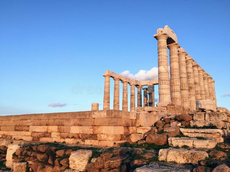 Templo de Poseidon no cabo Sounion fotografia de stock royalty free