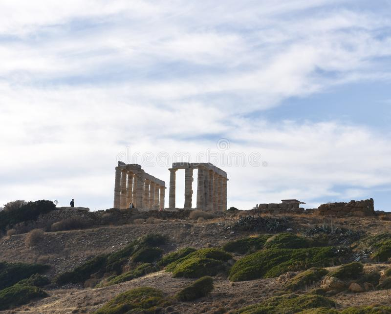 Templo de Poseidon sobre o cabo Sounion foto de stock royalty free