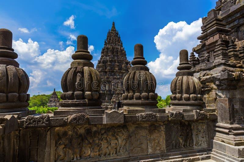 Templo de Prambanan perto de Yogyakarta na ilha Java - Indonésia imagens de stock royalty free