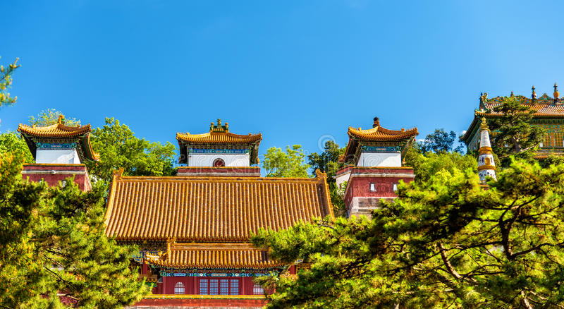 Templo de quatro grande regiões no palácio de verão no Pequim imagens de stock royalty free