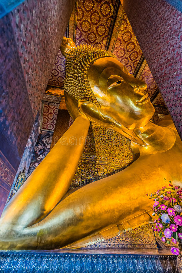 Templo de reclinação Banguecoque Tailândia de buddha Wat Pho fotografia de stock royalty free