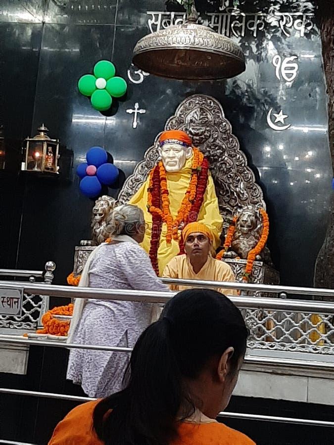 Templo de Sai dehradun na índia fotos de stock