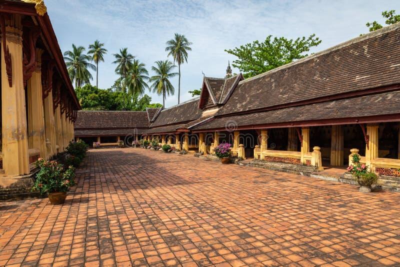Templo de Sisaket na cidade de Vientiane Arquitetura antiga e estátuas de Buda Vientiane, Laos imagens de stock royalty free