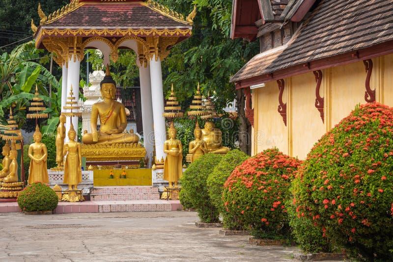Templo de Sisaket na cidade de Vientiane Arquitetura antiga e estátuas de Buda Vientiane, Laos fotografia de stock royalty free