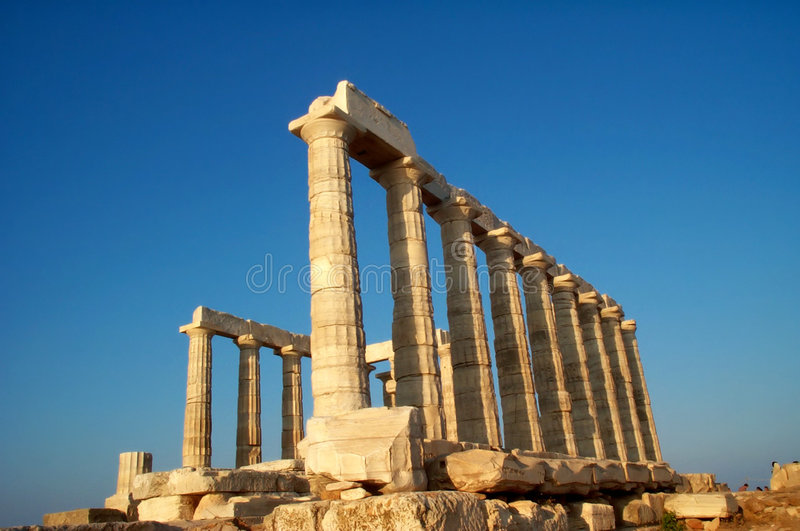 Templo de Sounion do cabo fotografia de stock royalty free