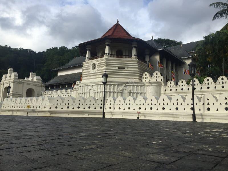 Templo de Sri Dalada Maligawa da relíquia Sri Lanka do dente imagens de stock