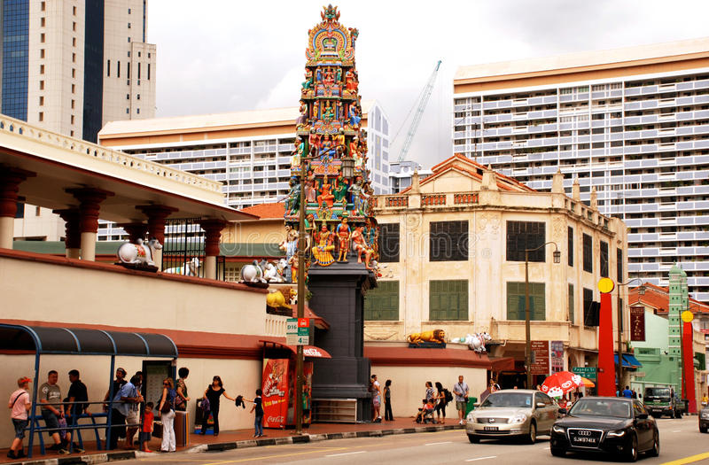 Templo de Sri Mariamman no distrito do bairro chinês, Singapura fotos de stock royalty free