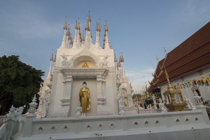 TEMPLO DE TAILÂNDIA PHRAE WAT PONG SUNAN fotografia de stock royalty free