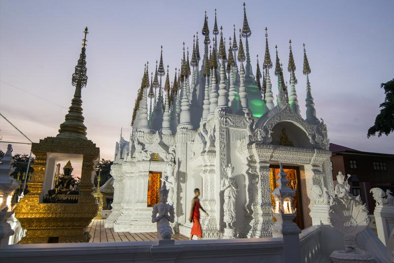 TEMPLO DE TAILÂNDIA PHRAE WAT PONG SUNAN imagens de stock royalty free