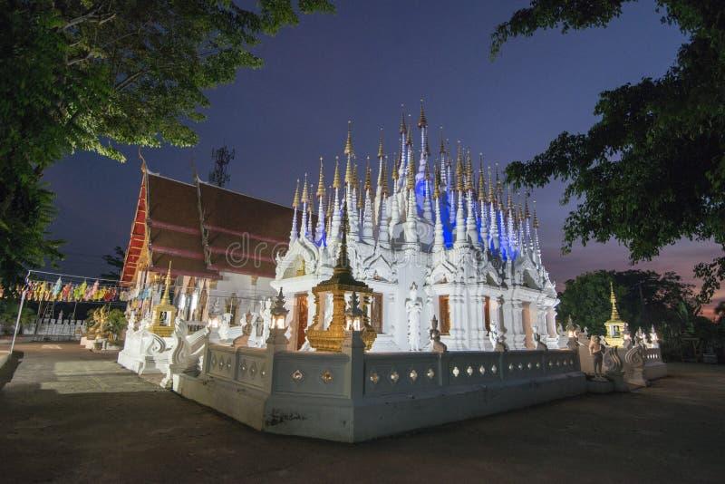 TEMPLO DE TAILÂNDIA PHRAE WAT PONG SUNAN fotografia de stock