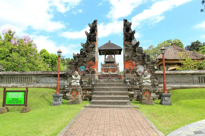 Templo de Taman Ayun (Pura Taman Ayun) imagem de stock royalty free