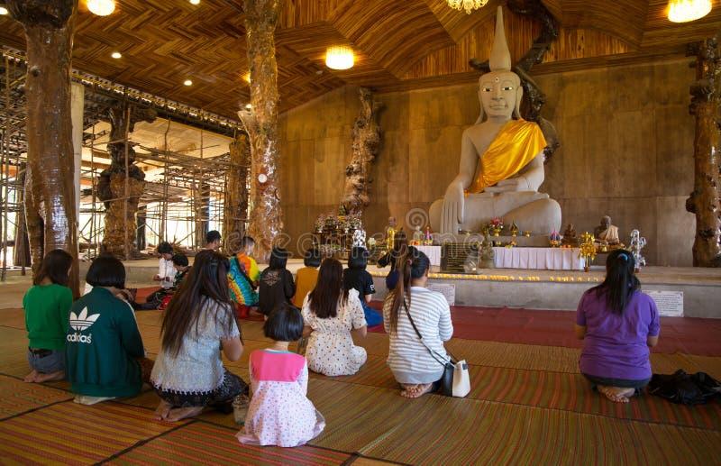 Templo de Tham Pha Daen Wat, Sakon Nakhon, Tailandia imagen de archivo
