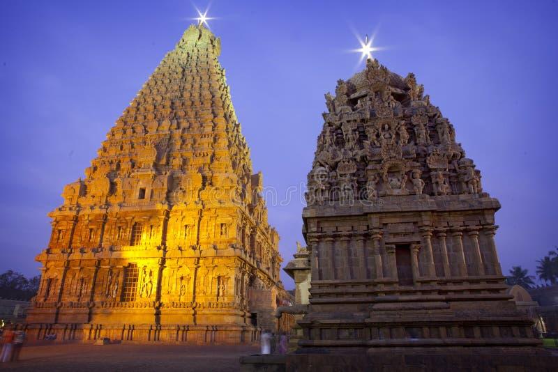 Templo de Thanjavur Brihadeeswarar en la noche fotos de archivo libres de regalías
