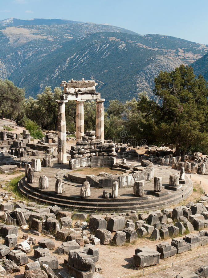 Templo de Tholos de Delphi imagens de stock