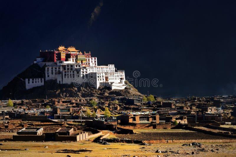 Templo de Tibet-ZangDan foto de stock royalty free
