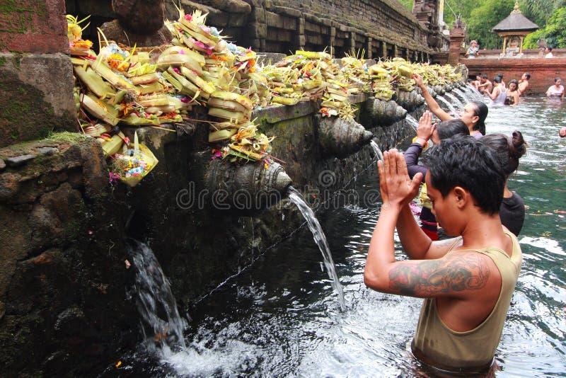 Templo de Tirta Empul, Bali, Indonésia. foto de stock royalty free