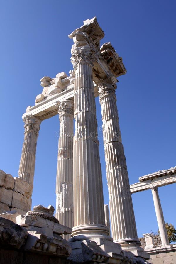 Templo de Trajan em Pergamon imagem de stock