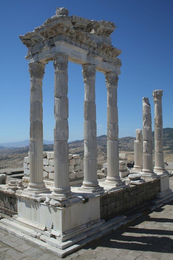 Templo de Trajan, Pergamon imagens de stock