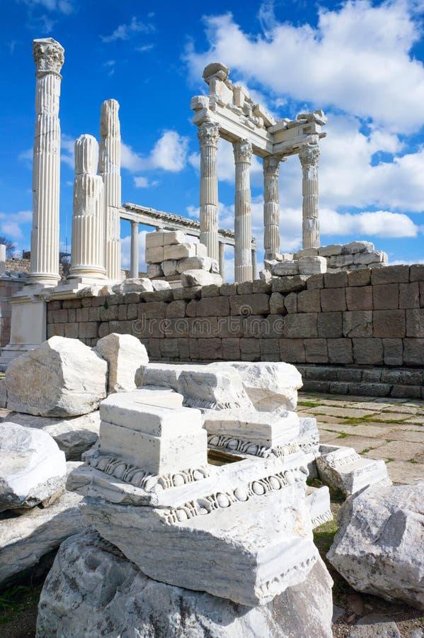 Templo de Trajan Pergamon imagens de stock royalty free