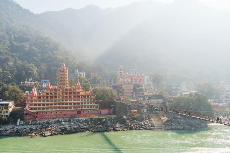 Templo de Trayambakeshwar em Rishikesh, Índia Trayambakeshwar é acreditado para ser um dos doze Jyotirlingas de Lord Shiva 10 imagem de stock royalty free