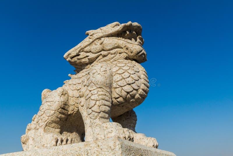 Templo de Wanshou en Changchun, leones de piedra imagen de archivo libre de regalías