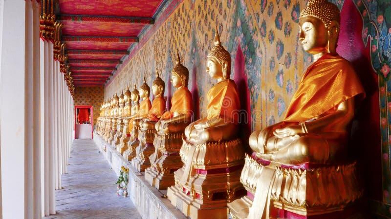 Templo de Wat Arun Buddhist em Banguecoque, Tailândia imagens de stock