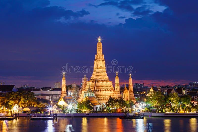 Templo de Wat Arun en Bangkok Tailandia foto de archivo