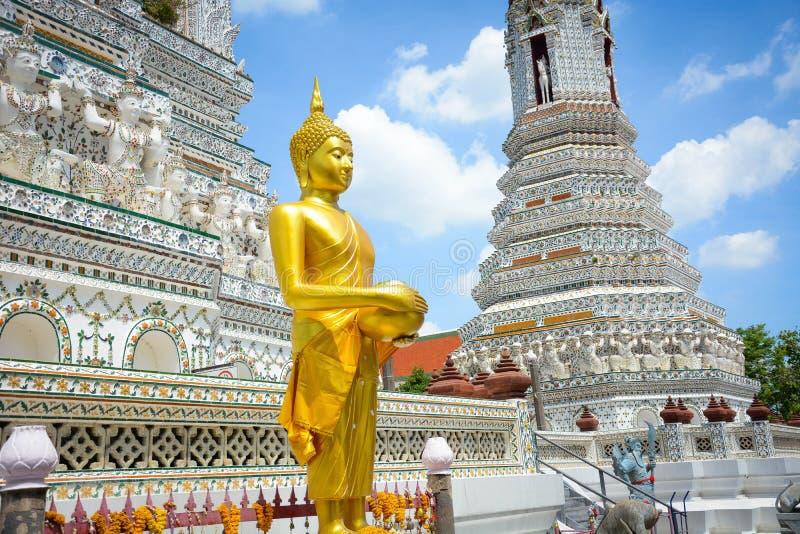 Templo de Wat Arun en Bangkok, Tailandia fotos de archivo