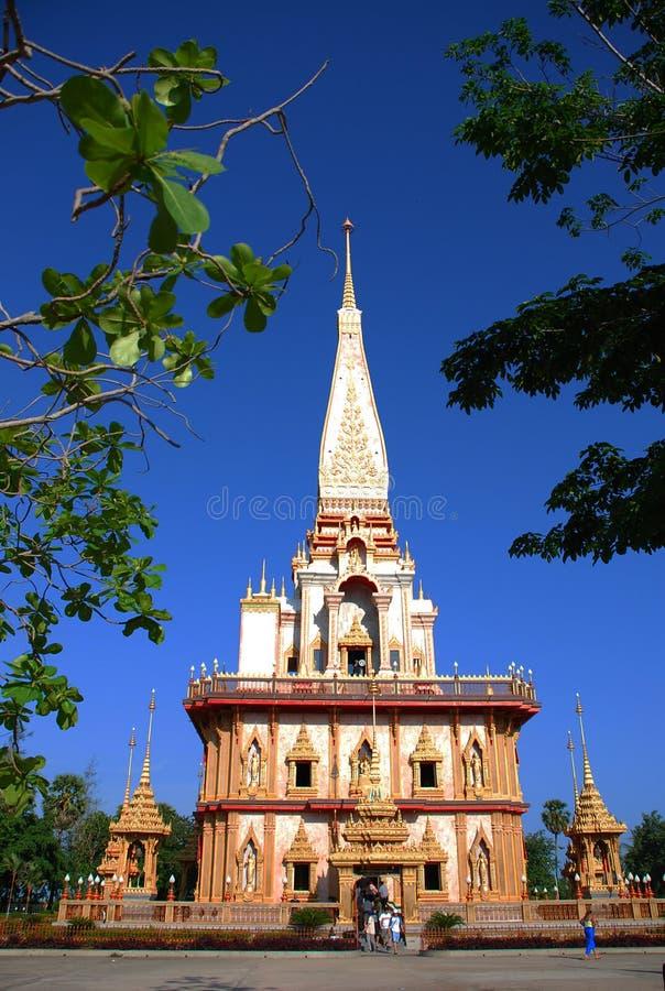 Templo de Wat Chalong en Phuket fotografía de archivo