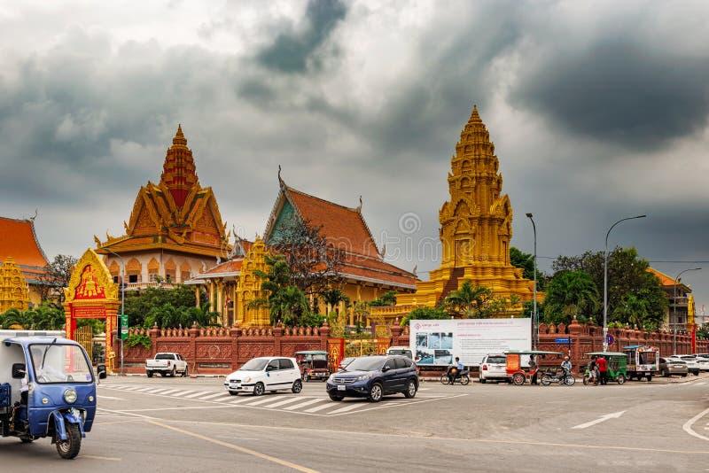 Templo de Wat Ounalom, Phnom Penh, Camboja fotos de stock royalty free