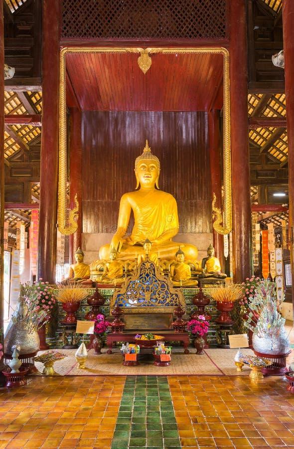 Templo de Wat Phan Tao - Chiang Mai, Tailândia fotos de stock royalty free