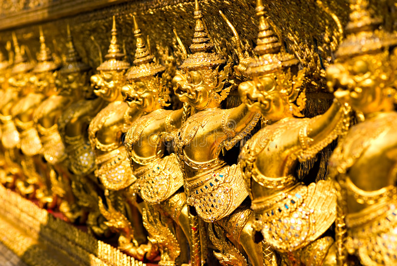 Templo de Wat Phra Kaeo, Banguecoque, Tailândia. fotografia de stock royalty free