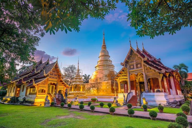 Templo de Wat Phra Singh no centro de cidade velho de Chiang Mai imagens de stock