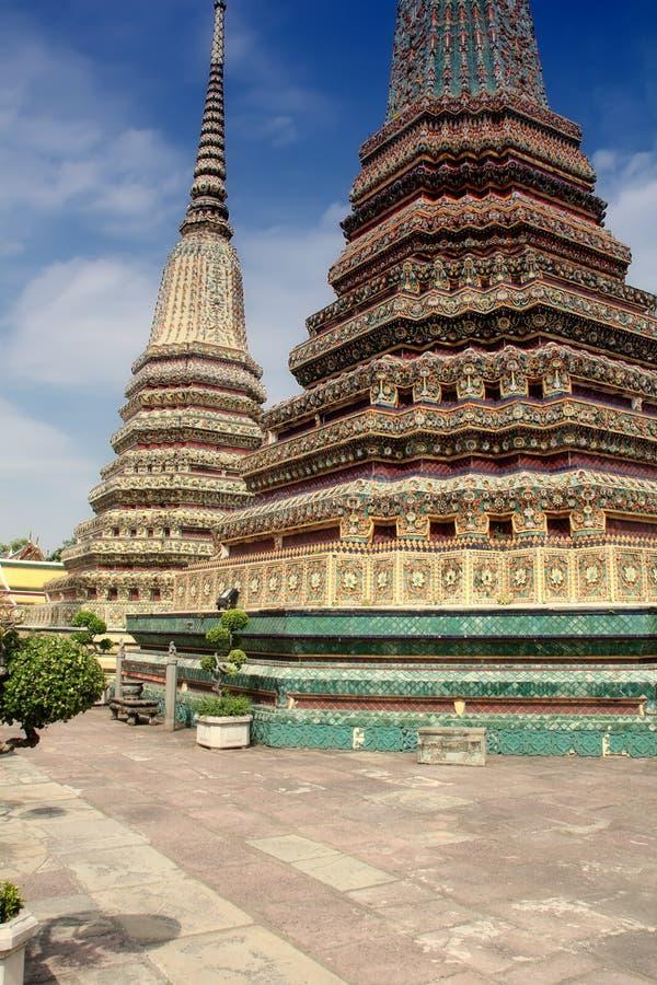 Templo de Wat Po em Banguecoque fotos de stock royalty free