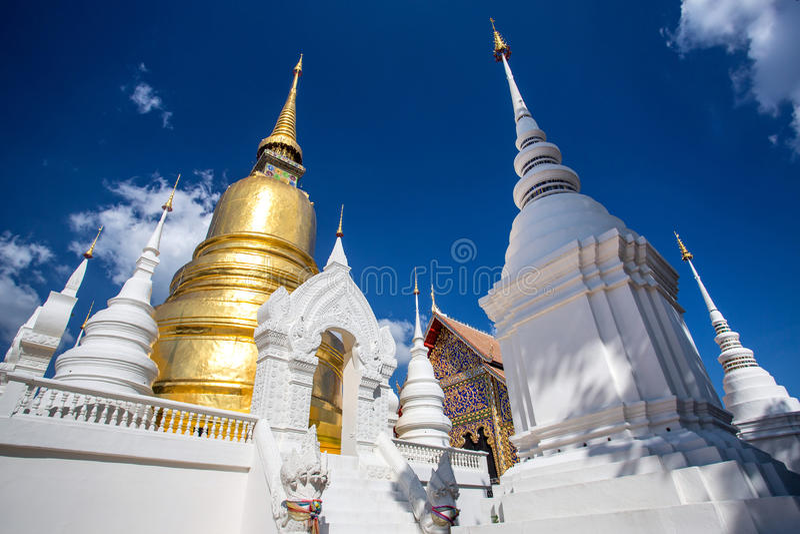Templo de Wat Suan Dok em Chiang Mai, Tailândia fotografia de stock royalty free