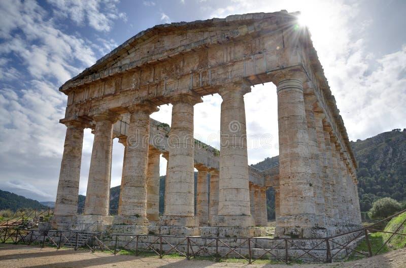 Templo del griego clásico en Sicilia imagenes de archivo