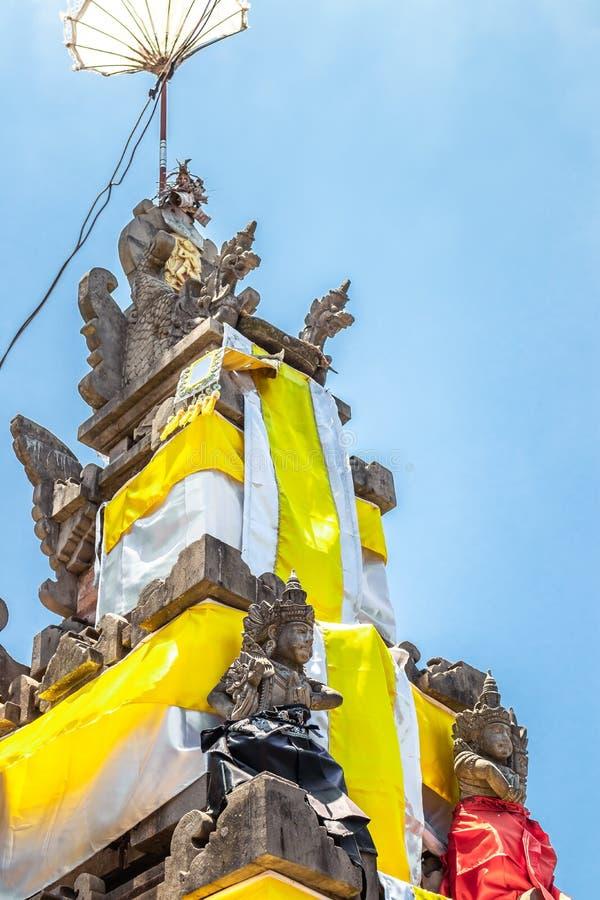 Templo do Balinese durante a cerimônia tradicional em Ubud, Gianyar fotos de stock
