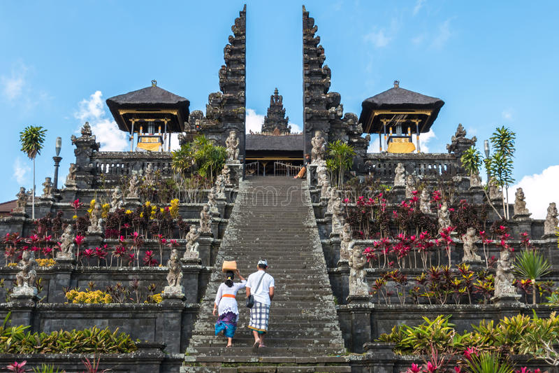 Templo do besakih de Pura foto de stock
