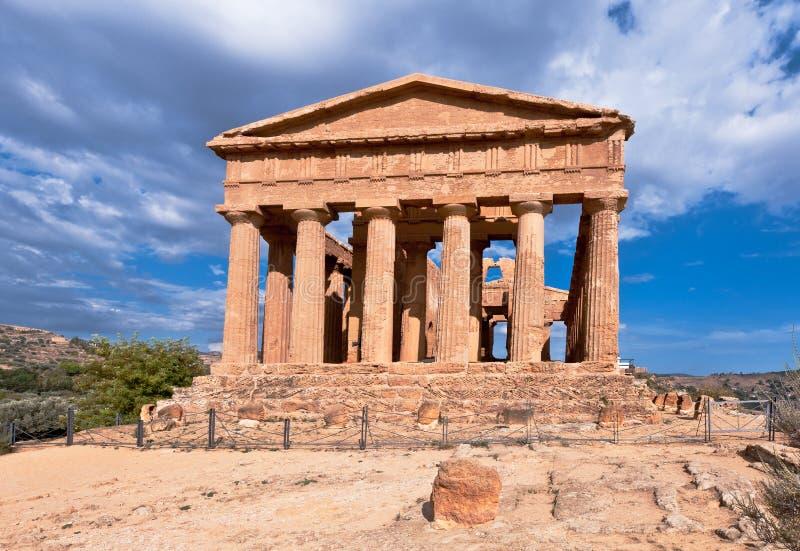 Templo do grego clássico da concórdia imagem de stock