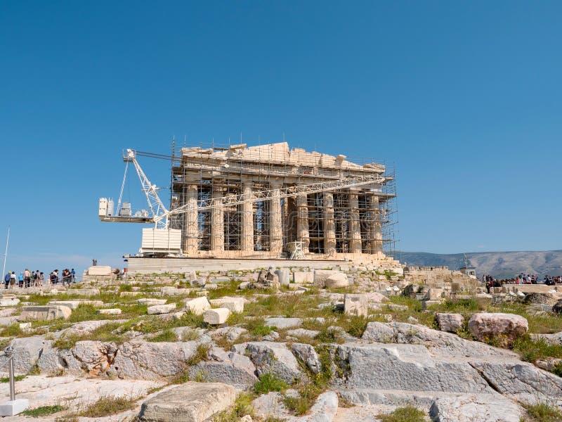 Templo do Parténon na colina de Acrópole em Atenas fotografia de stock
