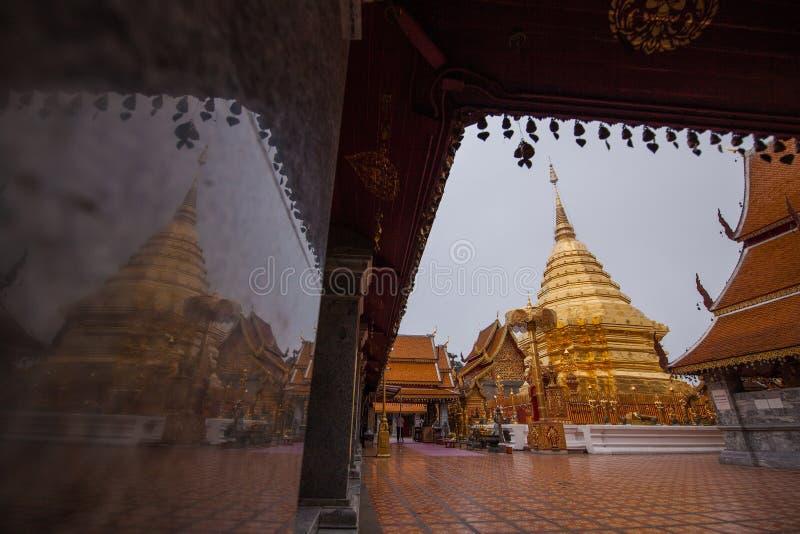 Templo do suthep do doi do prathat de Wat no chiangmai Tailândia, a maioria de fá fotografia de stock royalty free
