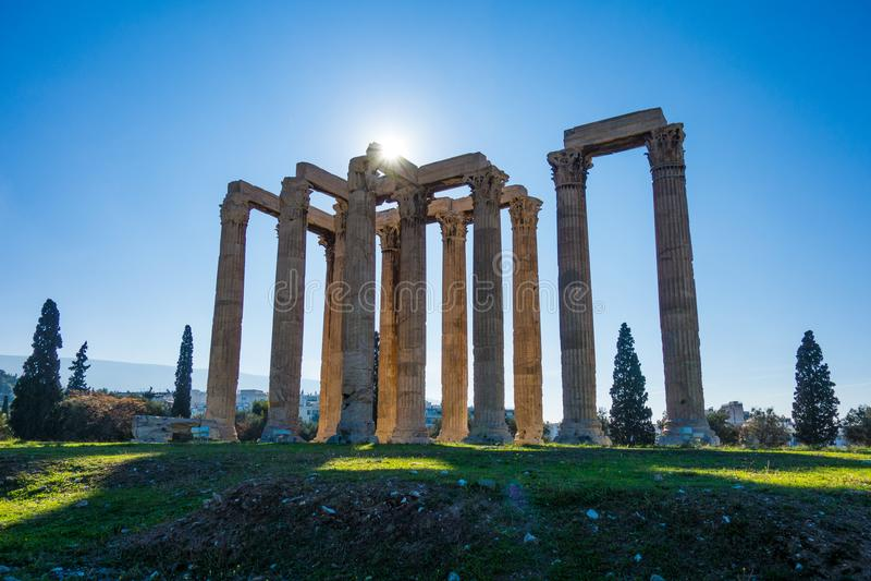 Templo do Zeus do olímpico em Atenas E fotos de stock